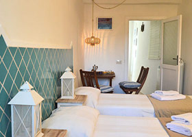 ...double single beds solution - Holiday House in San Felice Circeo in the Circeo National Park